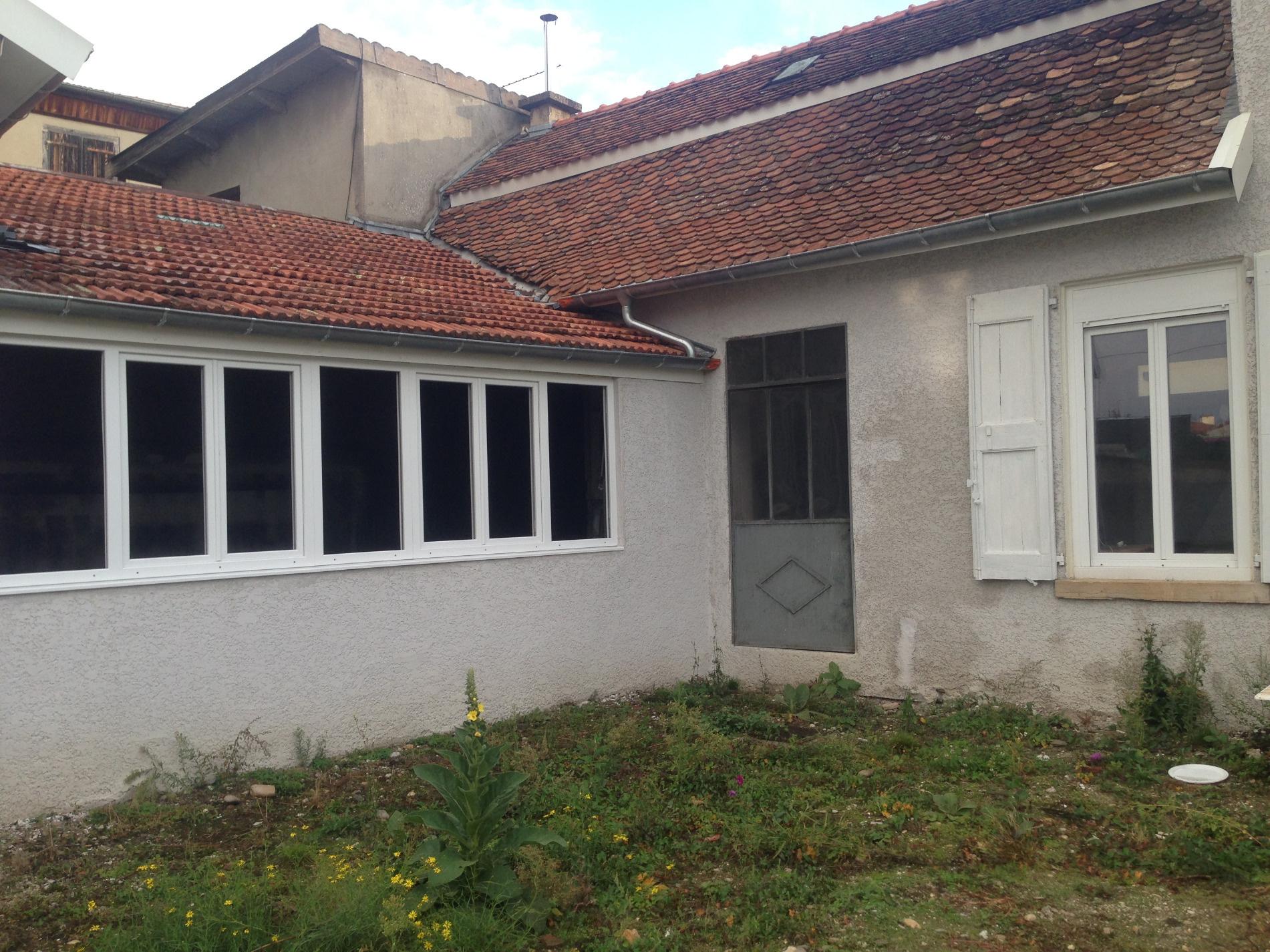 Vente centre ville bourgoin acces gare a pied for Maison bourgoin jallieu